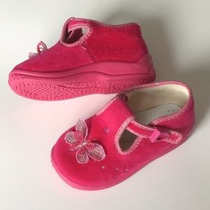 Pink slippers, size US 6,5
